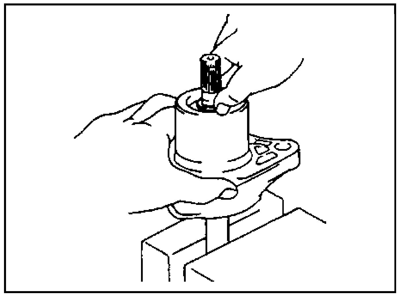 Снятие держателя пружины
